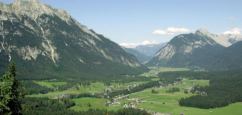 Austria_Austrian-Tyrol_Seefeld_Landscape-view.jpg